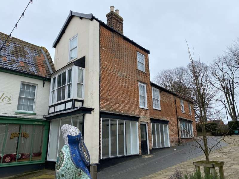2 Bedrooms Flat for sale in The Lodge, 6B Market Place, North Walsham, Norfolk