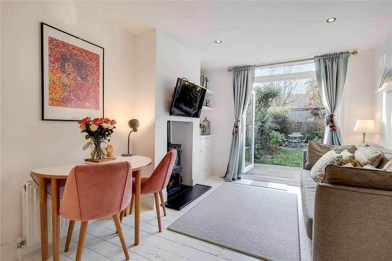 2 Bedrooms Maisonette Flat for sale in Balvernie Grove, London, SW18
