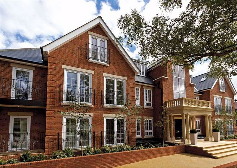 3 Bedrooms Flat for sale in Bayview House, Enfield