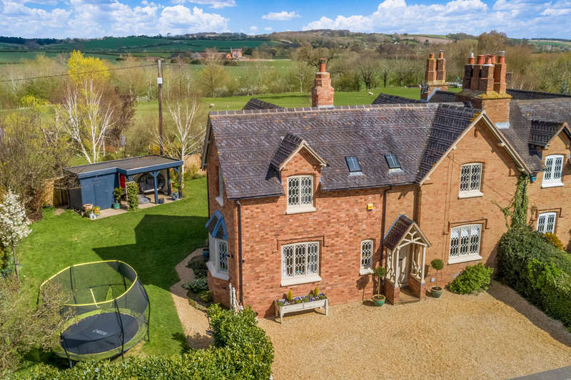 4 Bedrooms Semi Detached House for sale in Wimpstone, Stratford-upon-Avon