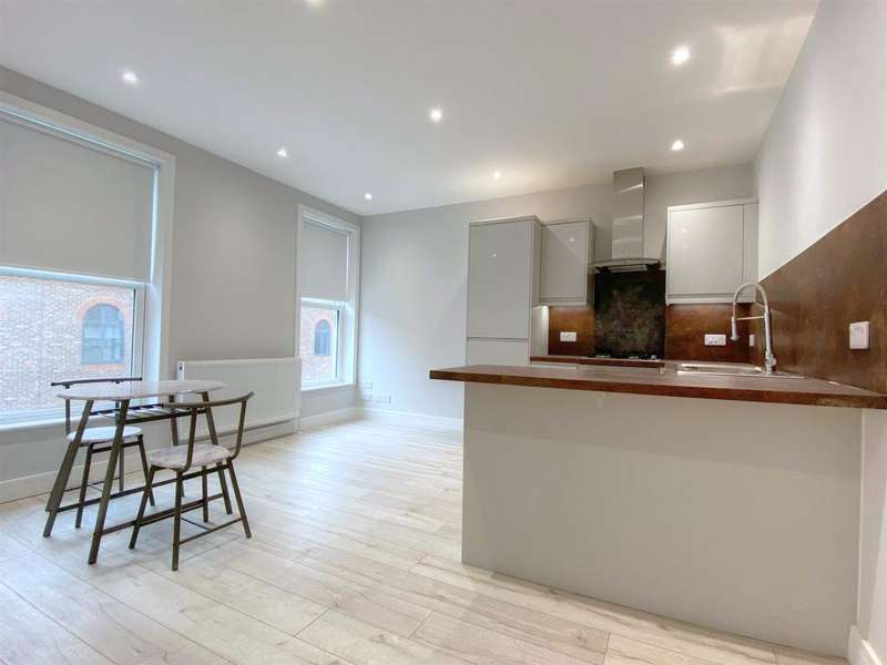 2 Bedrooms Apartment Flat for rent in Dunstable Place, Luton