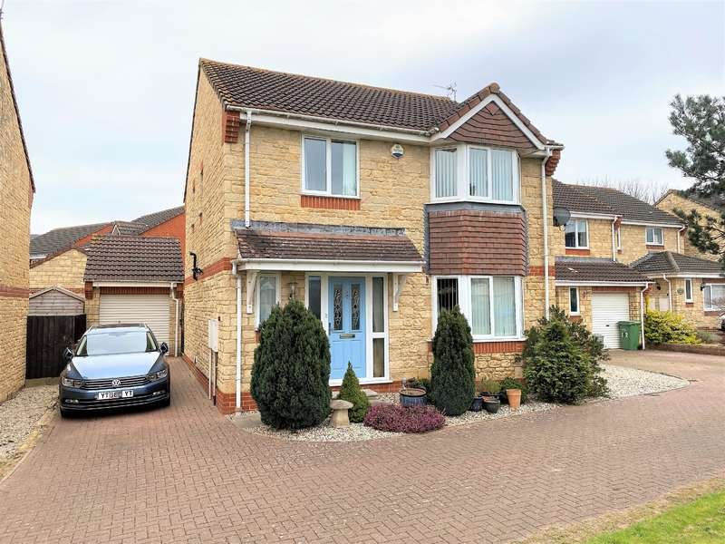 4 Bedrooms Detached House for sale in Arrowsmith Drive, Stonehouse, GL10 2QR