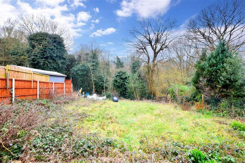 3 Bedrooms Detached House for sale in Newlands Road, , Woodford Green, Essex