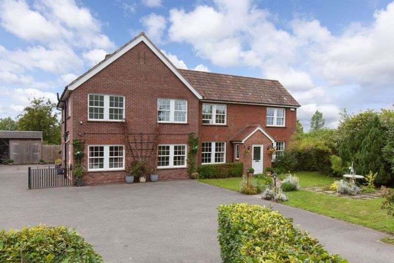 5 Bedrooms Property for sale in Rowde, Devizes, Wiltshire, SN10 2LU