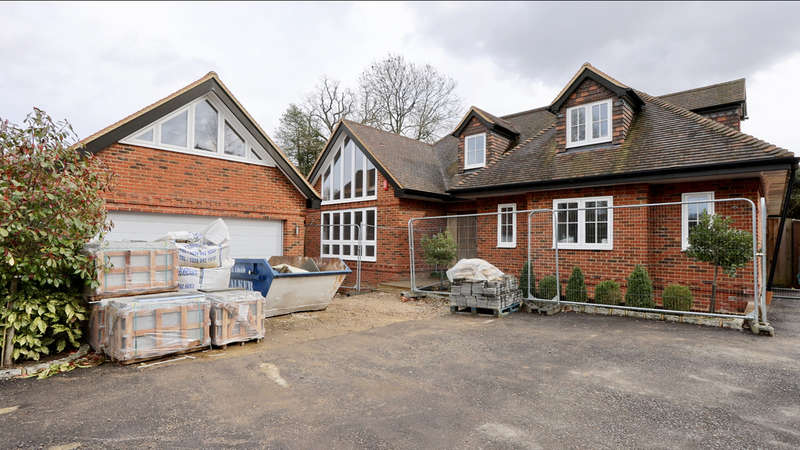 6 Bedrooms Detached House for sale in Kiln Road
