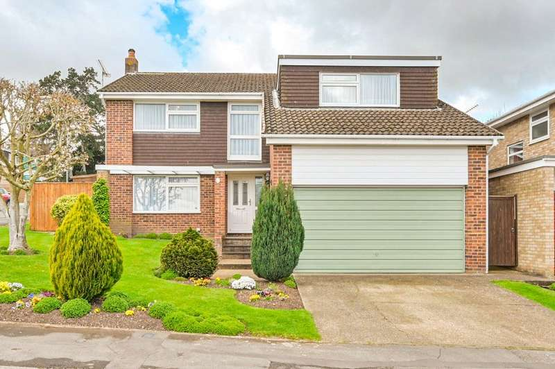 4 Bedrooms Detached House for sale in Beverley Close, Marlow, SL7