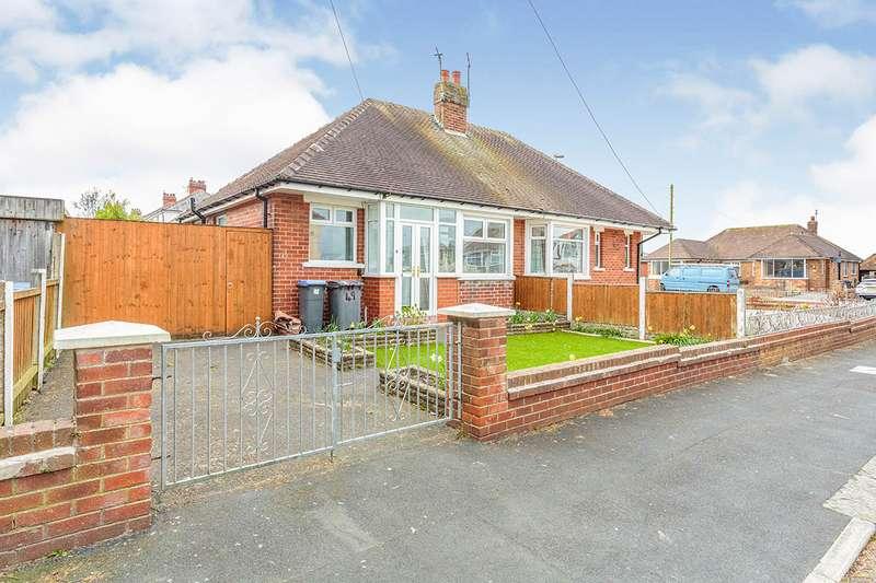 2 Bedrooms Semi Detached Bungalow for sale in Buckley Crescent, Thornton-Cleveleys, FY5