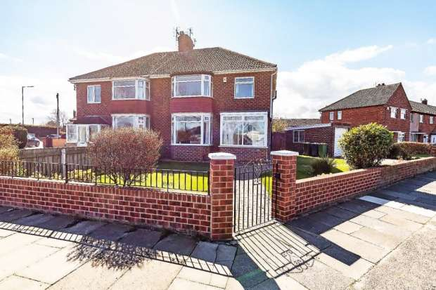 3 Bedrooms Semi Detached House for sale in West Dyke Road, Redcar, Cleveland, TS10 4JH