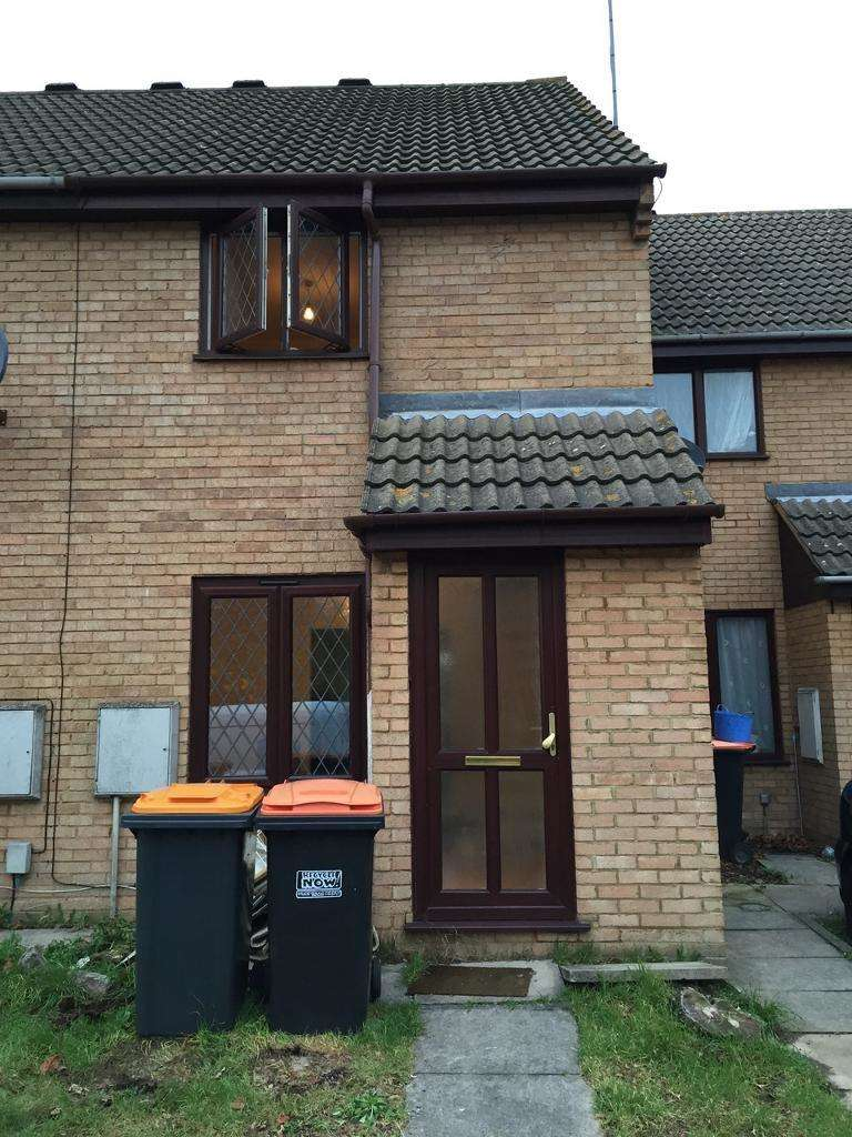 2 Bedrooms Terraced House for rent in Chesterton Mews, Bedford, Bedford, Bedfordshire, MK40 2TB