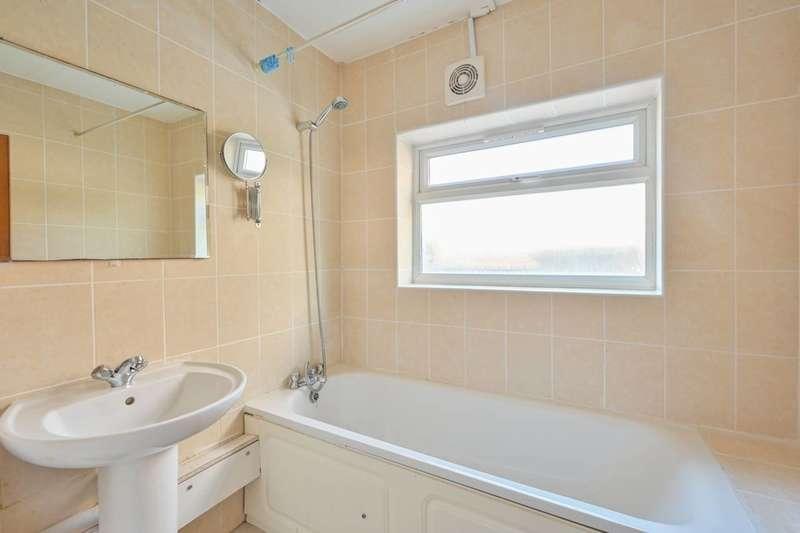 1 Bedroom Maisonette Flat for sale in Harcourt Road, Stratford, E15