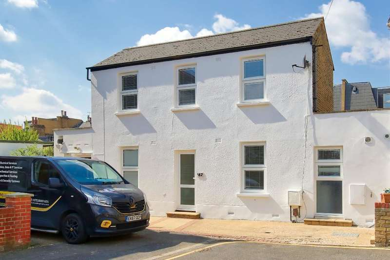 4 Bedrooms Semi Detached House for rent in Griffiths Road, Wimbledon, SW19 1ST