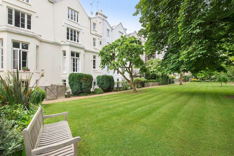 5 Bedrooms Terraced House for sale in Alma Square, NW8