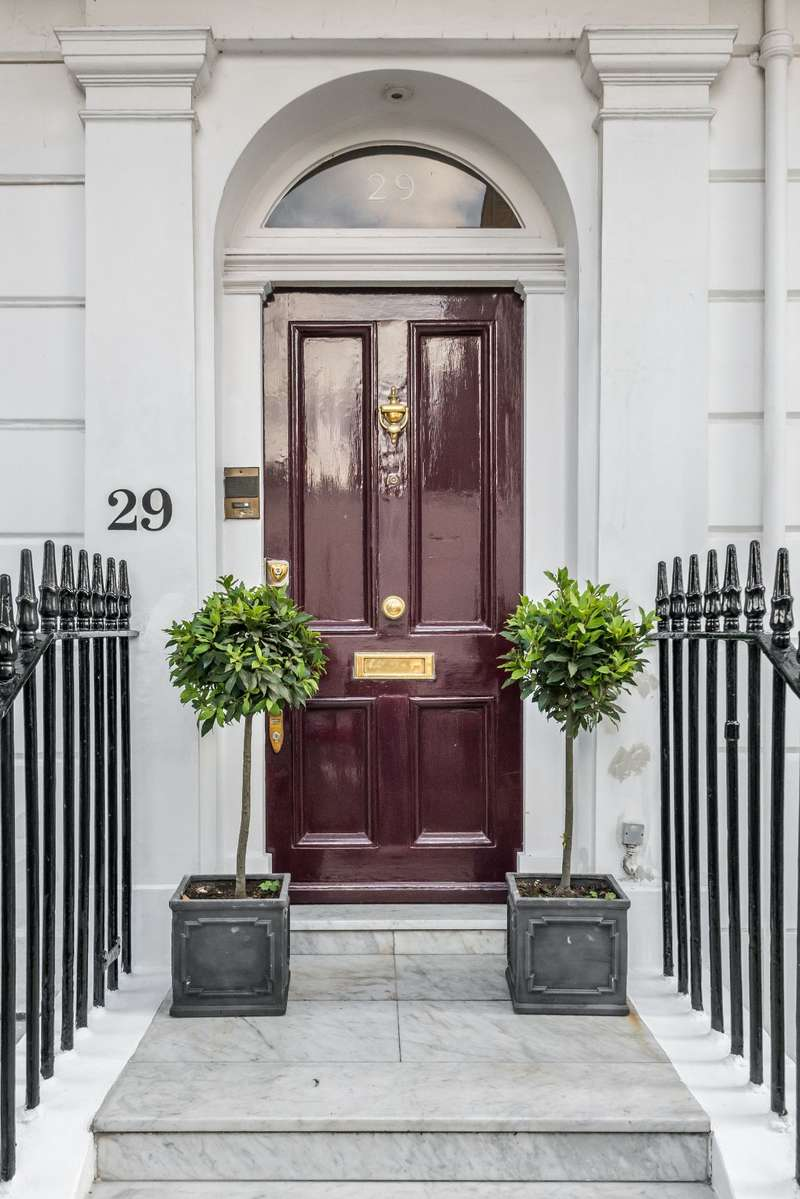5 Bedrooms Terraced House for sale in South Terrace, SW7