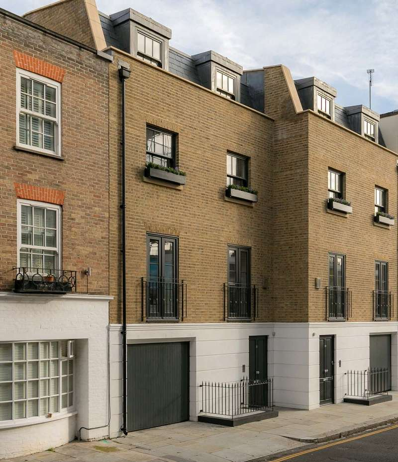 5 Bedrooms Terraced House for sale in Abingdon Road, Kensington, London