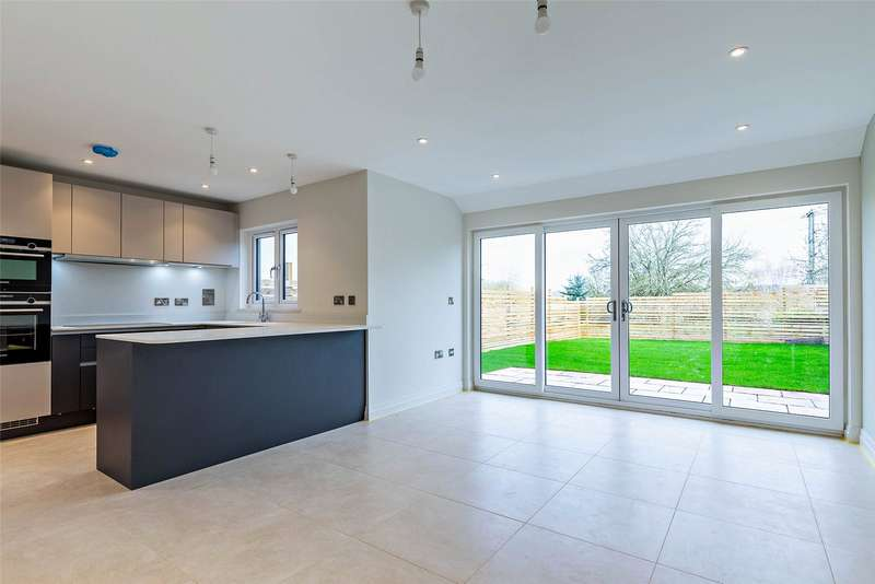 4 Bedrooms Detached House for sale in London Road, Rockbeare, Exeter, Devon