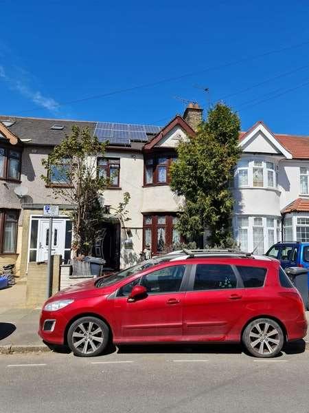 5 Bedrooms Terraced House for sale in Wilmington Gardens, Barking, London, IG11