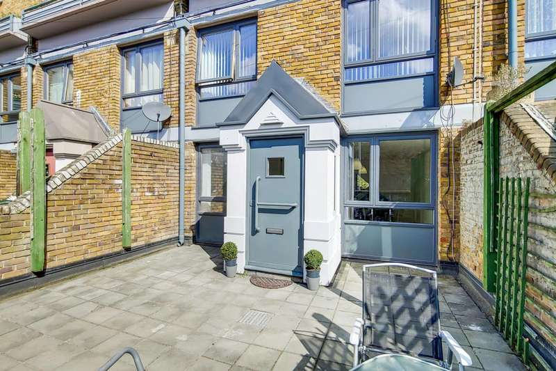 4 Bedrooms Flat for sale in Stockwell Park Road, Brixton, SW9