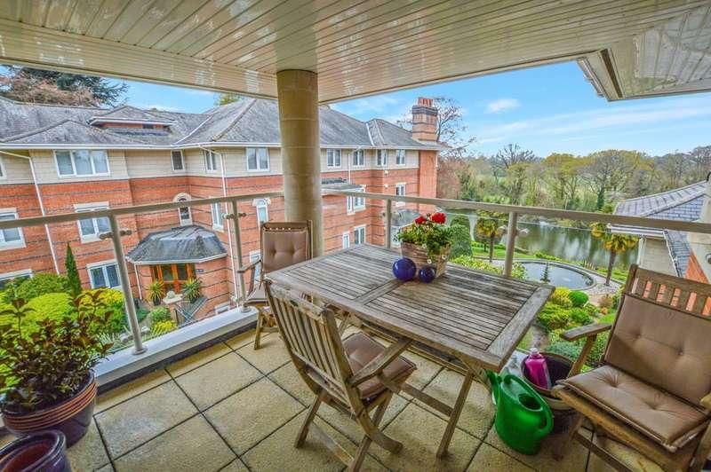 3 Bedrooms Apartment Flat for rent in Oatlands Drive, Weybridge, KT13