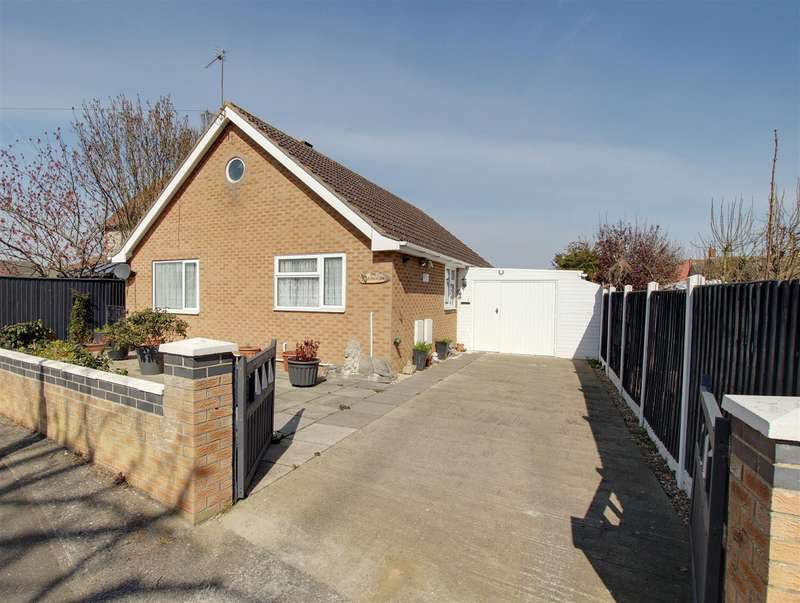 3 Bedrooms Detached Bungalow for sale in Parry Road., Mablethorpe