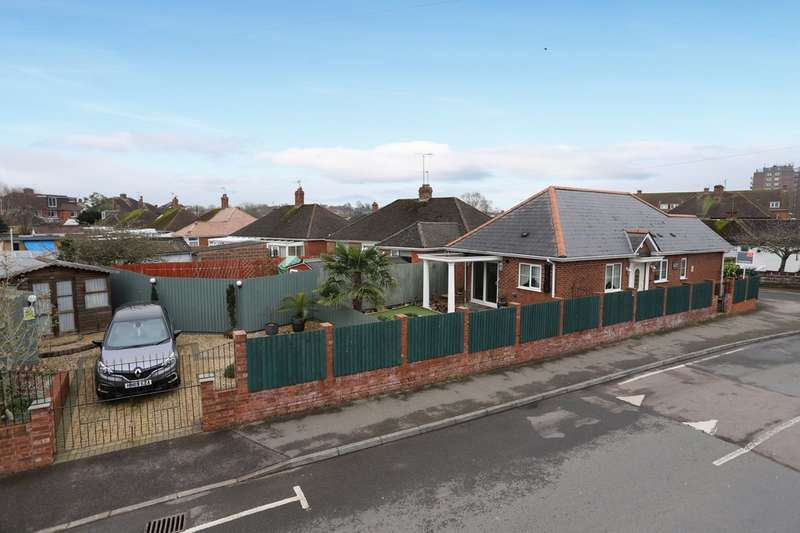 3 Bedrooms Detached Bungalow for sale in Summer Lane, Exeter