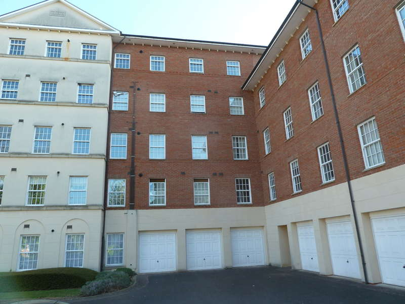 1 Bedroom Flat for sale in Mayhill Way, Gloucester, GL1