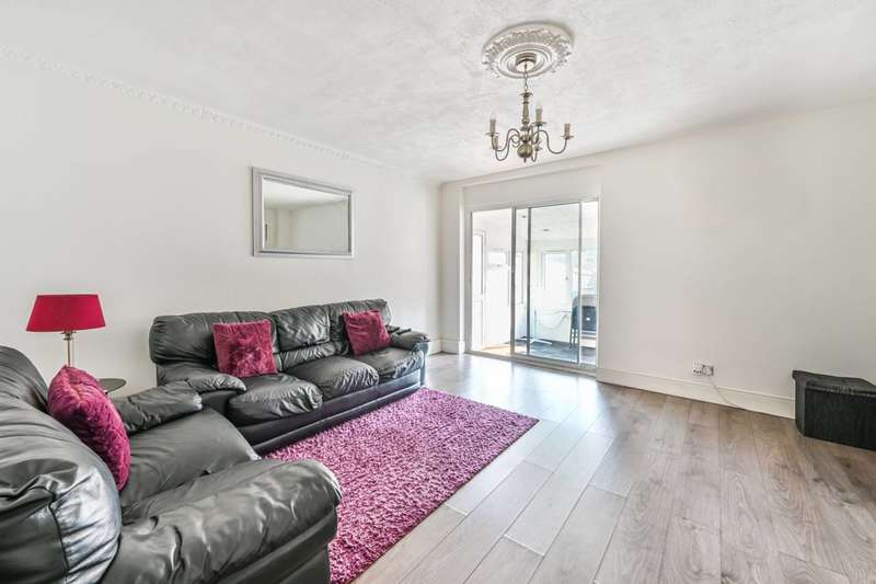 3 Bedrooms Terraced House for sale in Evelyn Road, Walthamstow, E17