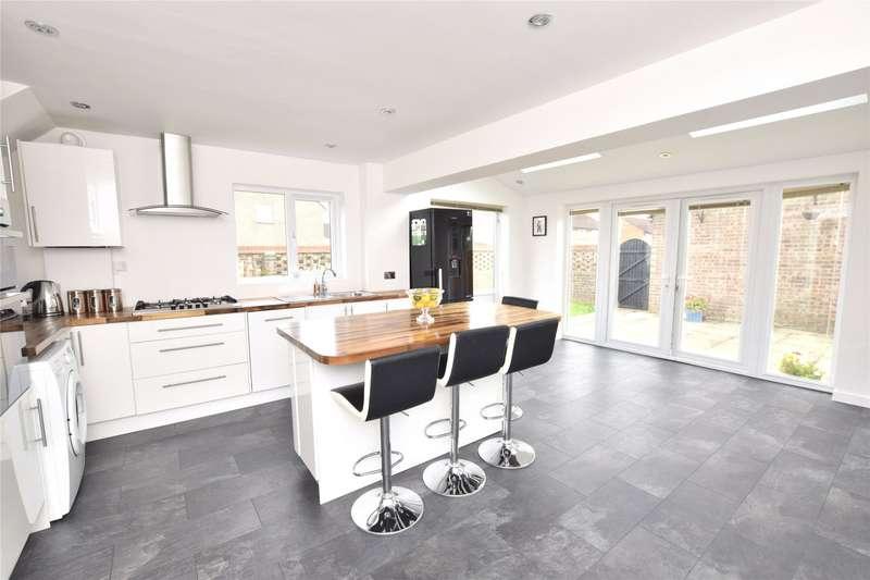 3 Bedrooms Semi Detached House for sale in Elderwood Drive, Longwell Green, Bristol, BS30