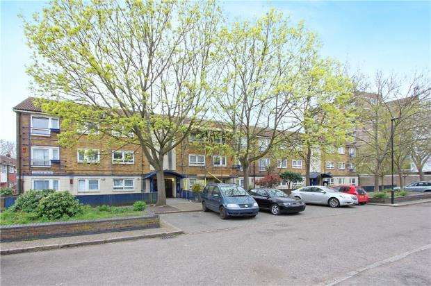 3 Bedrooms Apartment Flat for sale in Glenister Street, Royal Docks, London