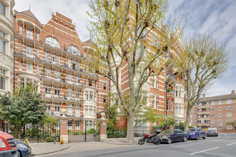 3 Bedrooms Flat for rent in Fitzjames Avenue, London, W14