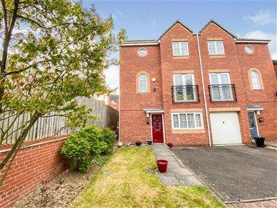 3 Bedrooms Semi Detached House for sale in Bolus Road, Thorpe Astley, Leicester