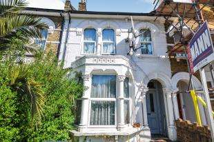 3 Bedrooms Terraced House for sale in Sunninghill Road, Lewisham, London, ...