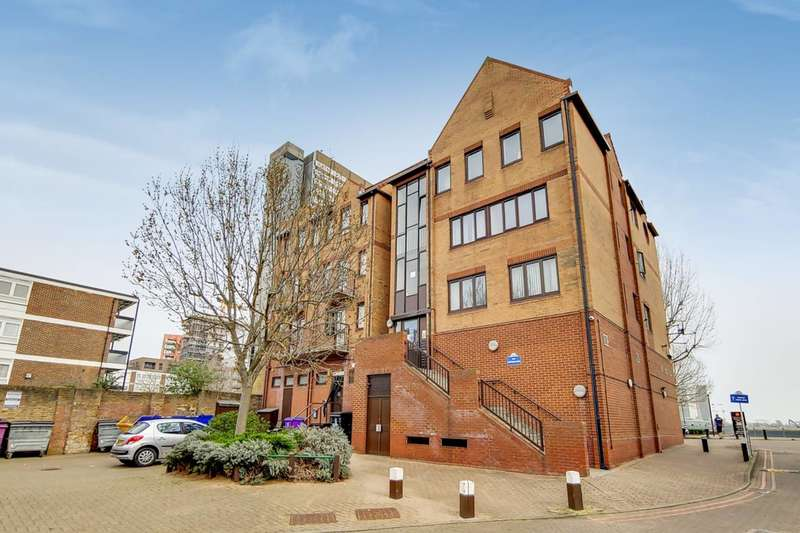 2 Bedrooms Flat for sale in Amsterdam Road, Canary Wharf, E14