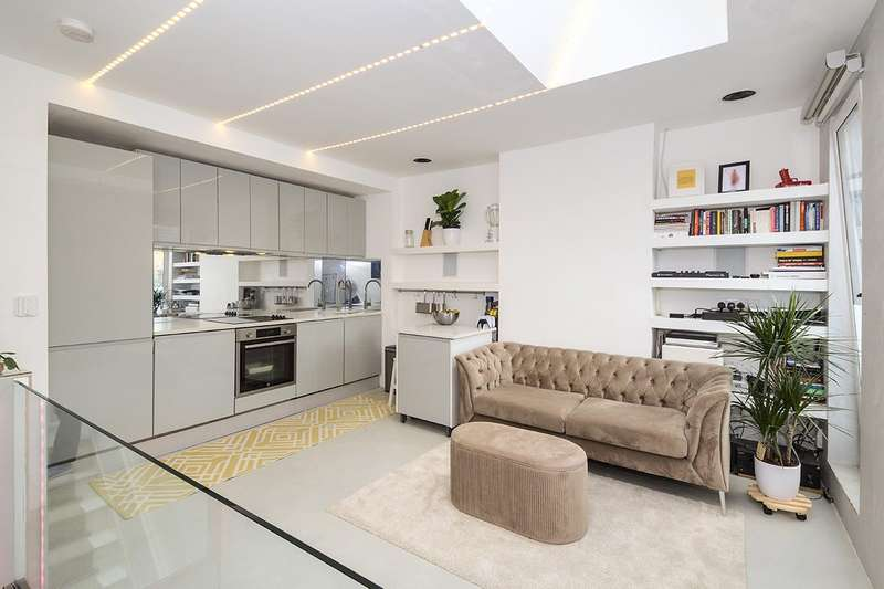2 Bedrooms Apartment Flat for sale in Malton Street, London, SE18