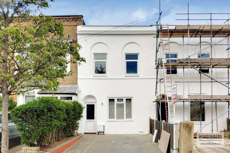 3 Bedrooms Property for sale in Buxton Road, Stratford, E15