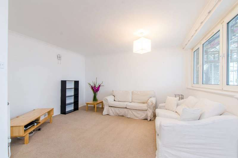 3 Bedrooms Maisonette Flat for sale in Gales Gardens, Bethnal Green, E2