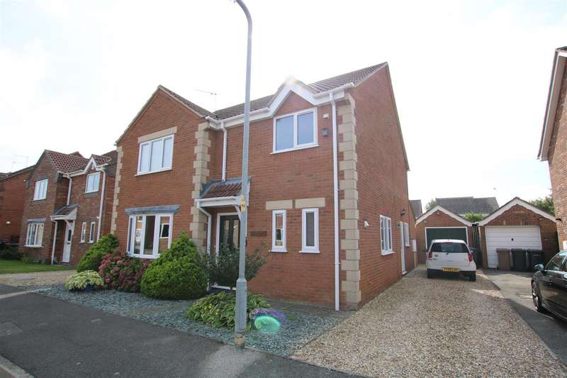 4 Bedrooms Detached House for sale in Hurn Close, Ruskington