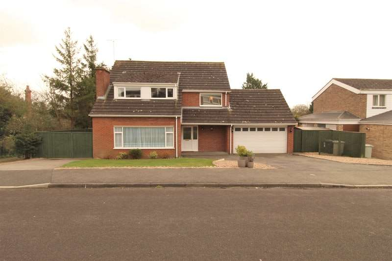 6 Bedrooms Detached House for sale in St. Marys Park, Louth, Lincolnshire, LN11