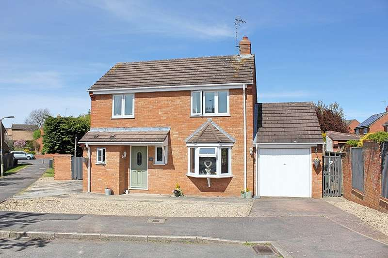 4 Bedrooms Detached House for sale in Stanbrig, Wigston