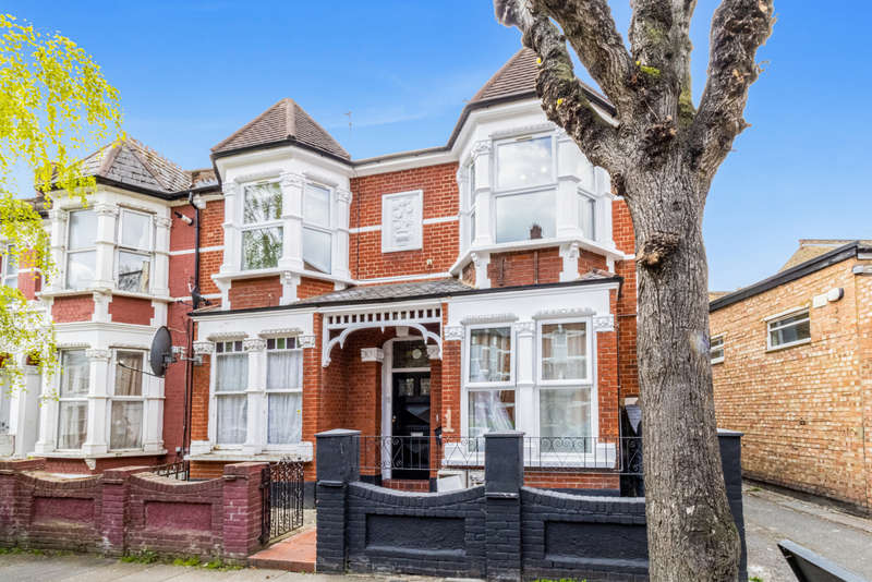 3 Bedrooms Flat for sale in Abbotsford Avenue, London N15