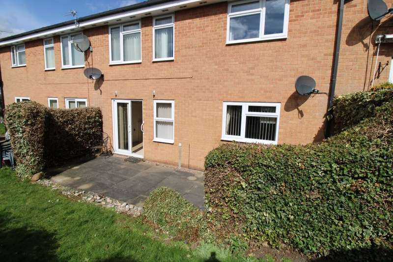 2 Bedrooms Flat for sale in Winterburn Gardens, Whetstone, Leicester, LE8