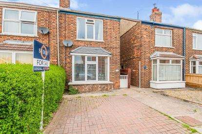 3 Bedrooms Semi Detached House for sale in St. Johns Road, Spalding, Lincolnshire, England
