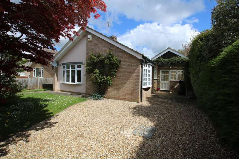 2 Bedrooms Detached Bungalow for sale in Wesley Close, Sleaford
