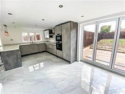 4 Bedrooms Detached House for sale in Main Street, Costock, Loughborough