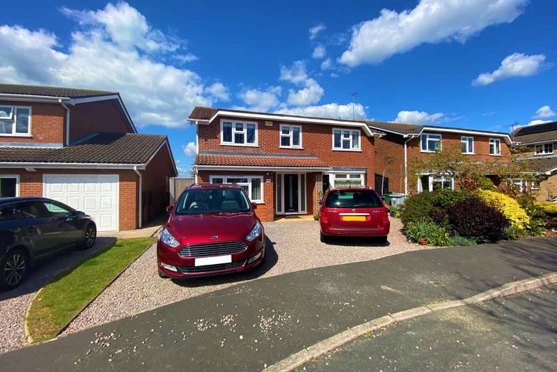 4 Bedrooms Detached House for sale in Stephenson Way, Bourne
