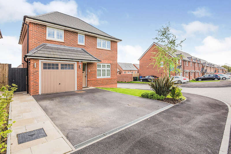 4 Bedrooms Detached House for sale in North Fold Close, Tyldesley, M29