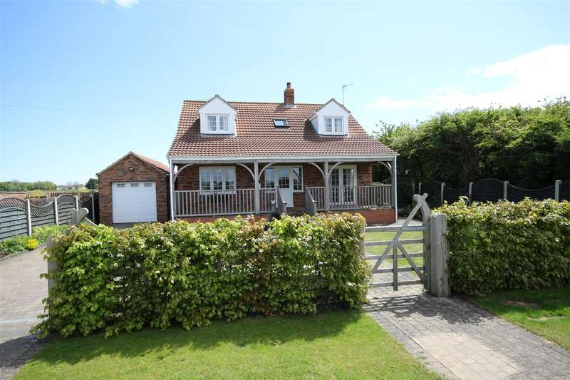 4 Bedrooms Detached Bungalow for sale in White Row Lane, Trusthorpe