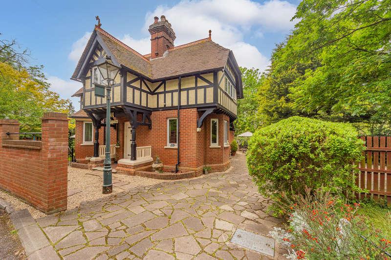 3 Bedrooms Detached House for sale in Dunton Lane, Biggleswade, United Kingdom SG18