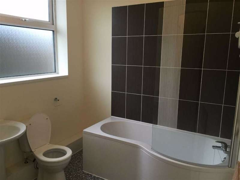1 Bedroom Flat for rent in Withington Road, Whalley Range