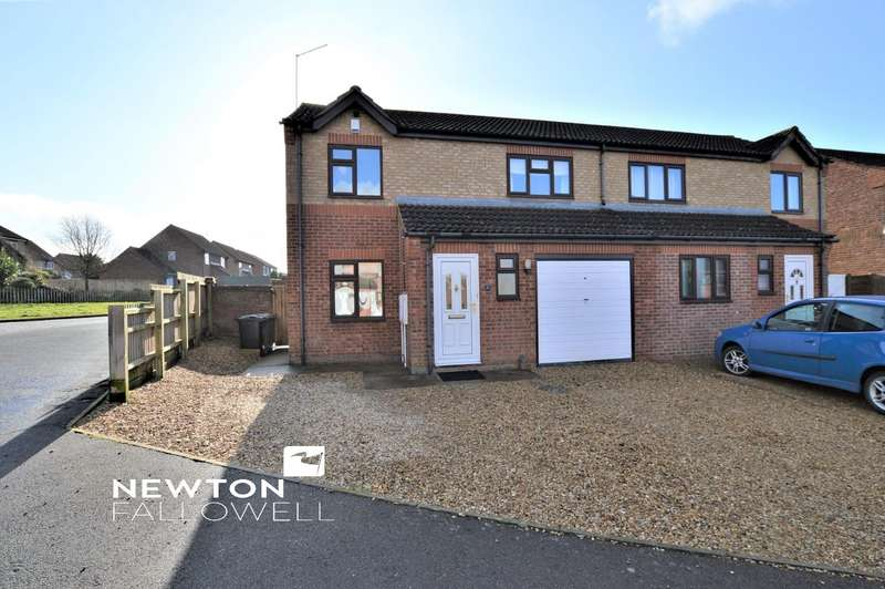 3 Bedrooms Semi Detached House for sale in Sweetbriars, Stamford
