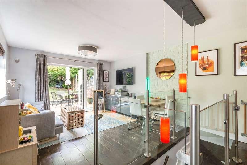 2 Bedrooms Maisonette Flat for sale in Knollys Road, West Norwood, London, SW16